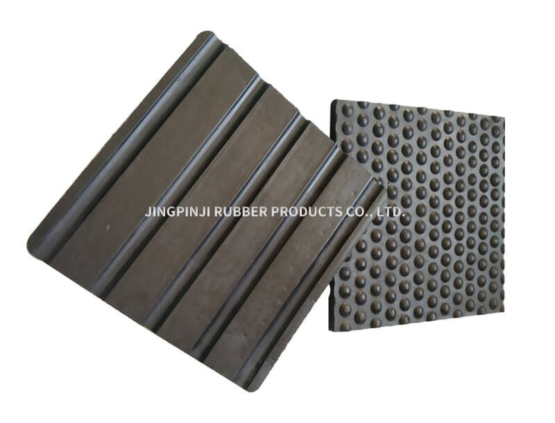 Special rubber plate for cow and horse shed mat